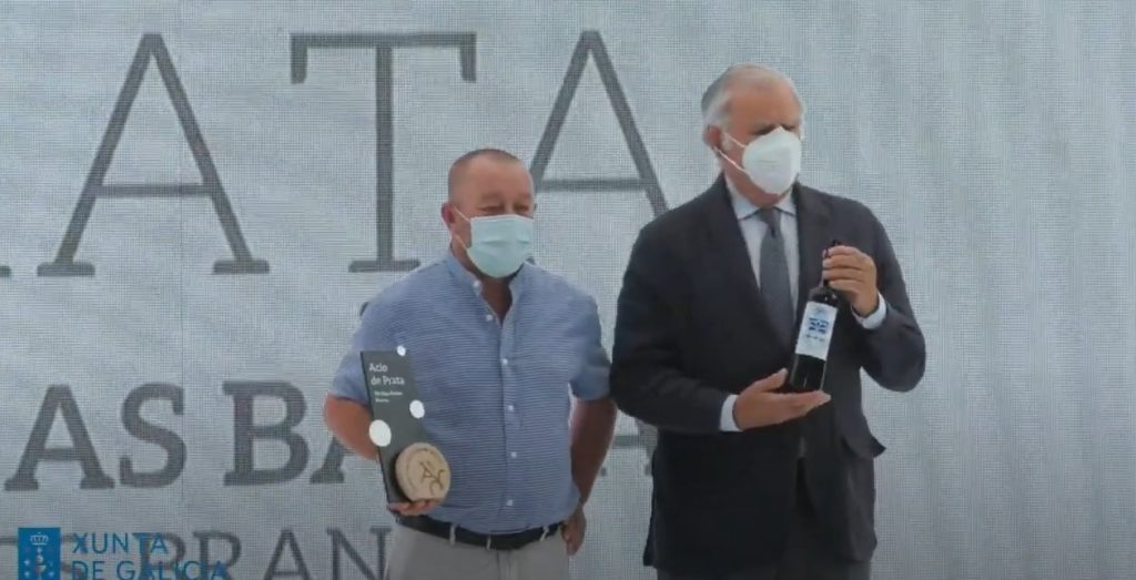 Roberto Taibo recibe o Acio de Prata por Aba de Trasumia 2020 en XXXIII Catas do Viño de Galicia 2021